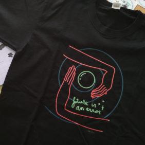 Camiseta Future is an error