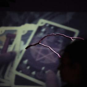 Vídeo 'Médiums: una exploración colectiva sobre lo invisible en el Prat'
